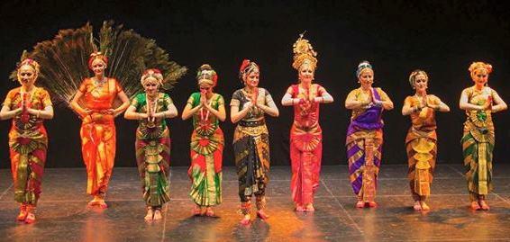 Día 25 - Bailamos en la India_ok